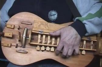 Bereznichek chastovoi (hurdy gurdy)