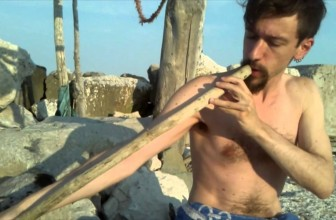 Troglodyte overtone flute on the beach